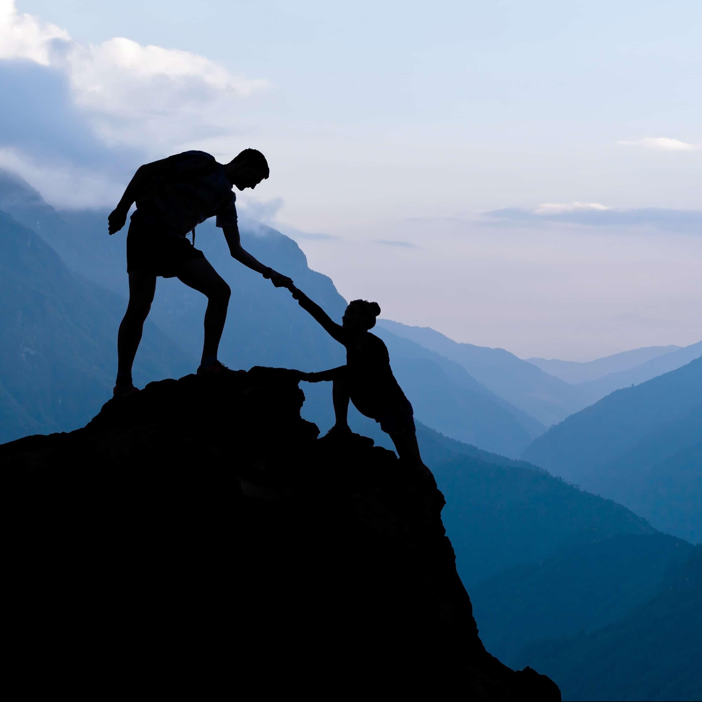 teamworkcoupleclimbing